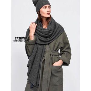 Zara Accessories - LAST Dark Gray - NWT Zara 100% Cashmere Scarf